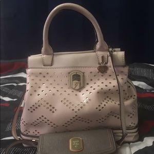 Guess handbag with sling